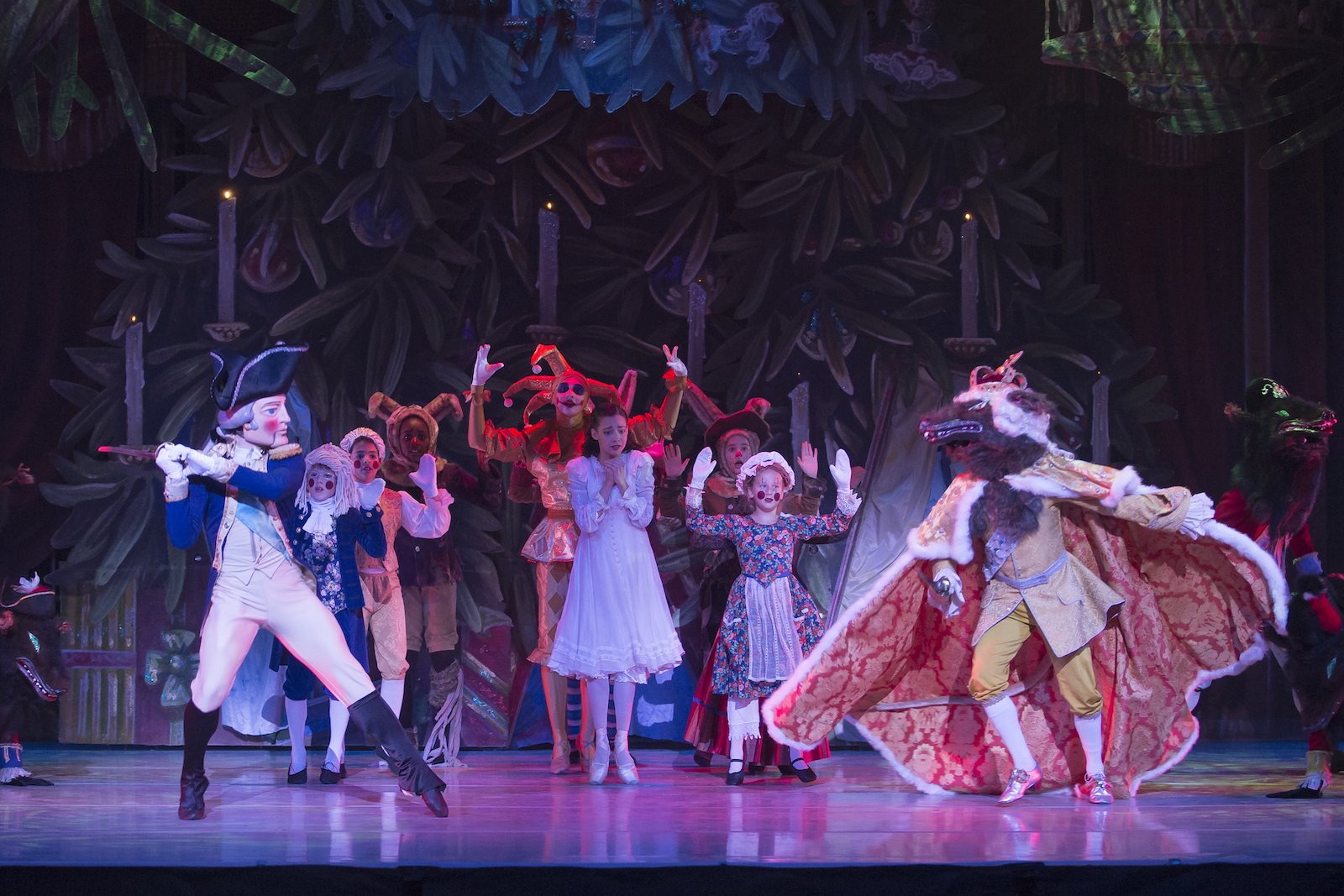 Dancing Into Yuletide One Ballet Company Stages The Nutcracker With Video Projections Another With American Historical Figures Thedcline Org